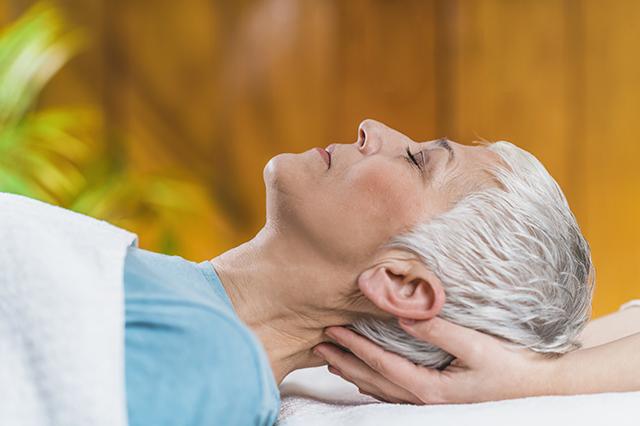massaggio anziani