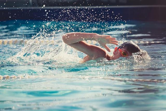 bambini-e-nuoto